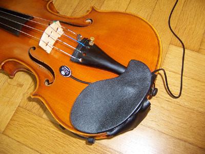 Kontaktmikrofon auf a-Geige