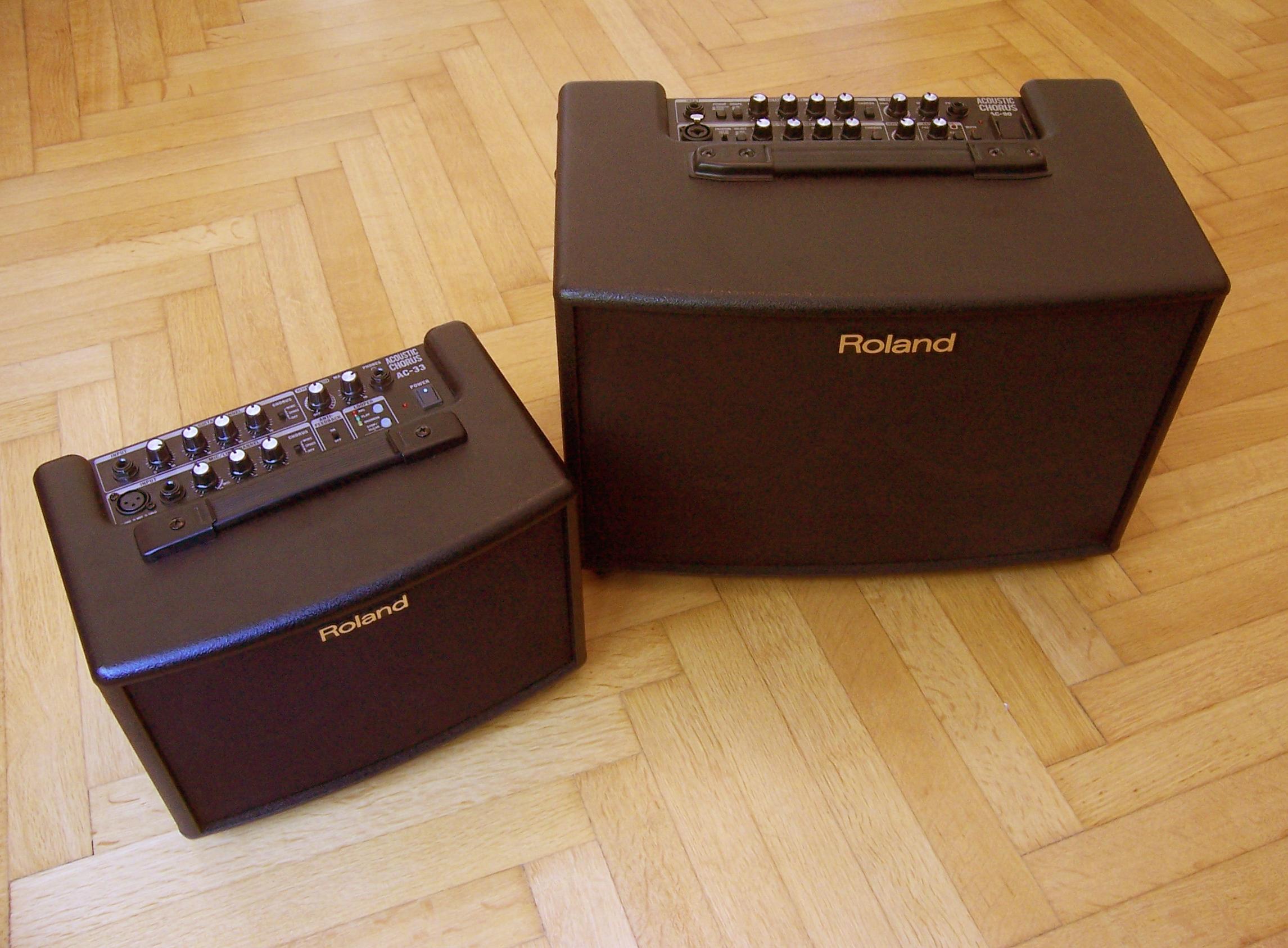 ROLAND Verstärker AC-33 (portabel) und AC-90